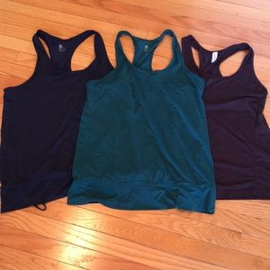 Set of 3 Gapfit Workout Tanks
